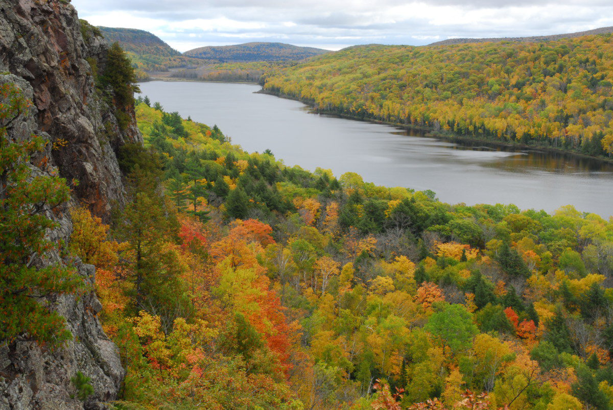 Fall colors  -  Lake of the Clouds  -  Porcupine Mountains Wilderness State Park, Michigan