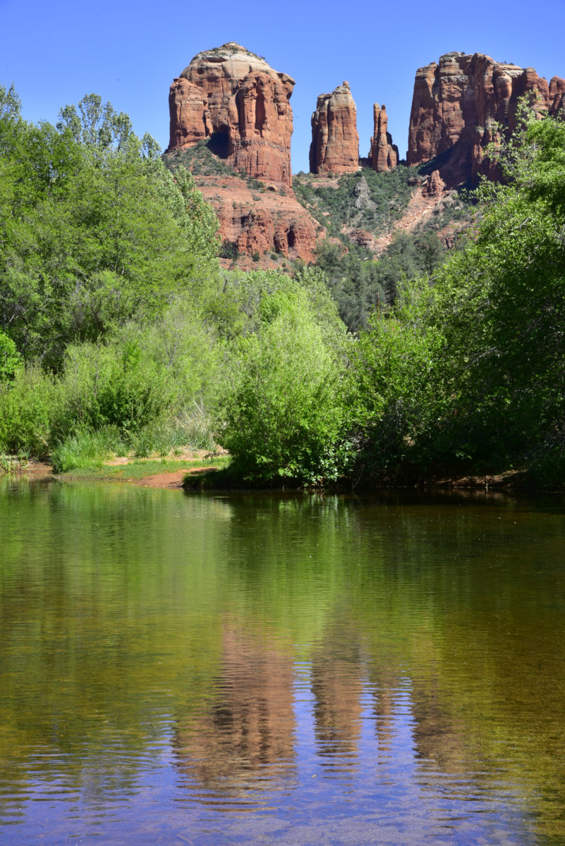 Cathedral Rock, Reflection in Oak Creek  -  Red Rock Crossing  -  Coconino National Forest, Arizona